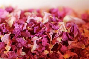 dried-rose-petals-close-up